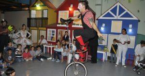 Monociclista-Malabarista